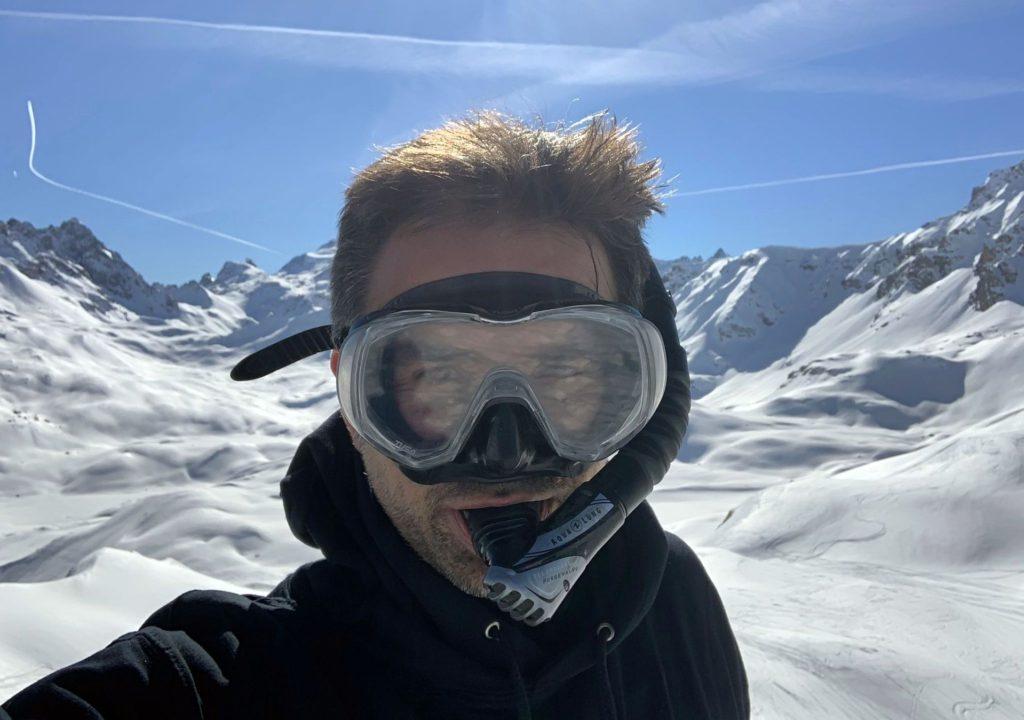 Vous n'aviez jamais vu d'homme avec un masque de plongée descendre une piste noire ?